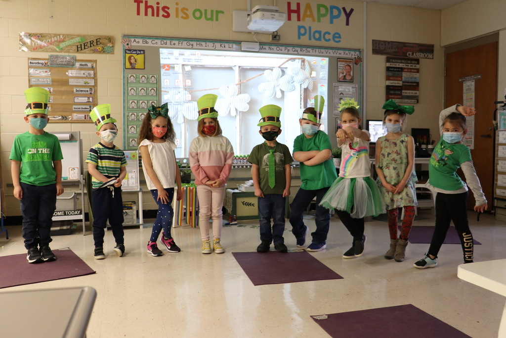 kindergarten group dress for St. Patrick's